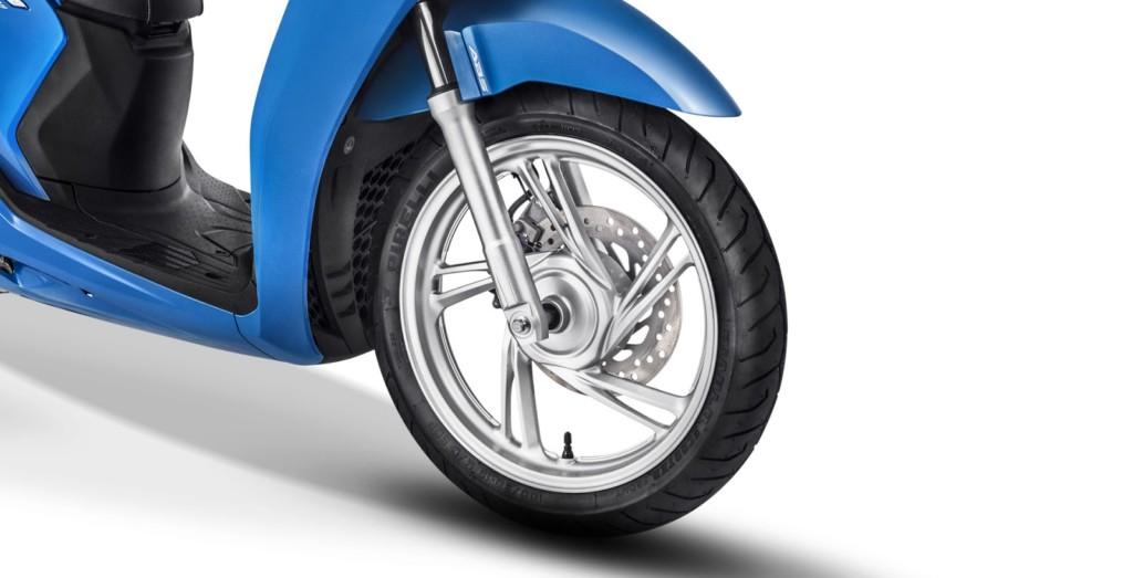 scooter-honda-sh150 RODAS 15